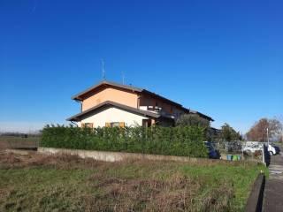 Foto - Villa a schiera via Padre Costantino, Lurano