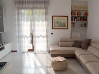Foto - Piso de tres habitaciones via Camillo Benso di Cavour, Trezzo sull'Adda