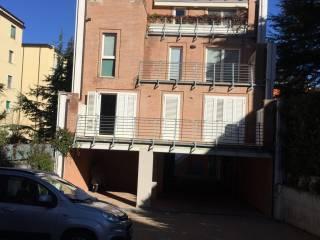 Foto - Piso de cuatro habitaciones via Trento, Semicentro, Campobasso