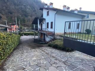 Foto - Villa bifamiliare via John Fitzgerald Kennedy 26, Tavernole sul Mella