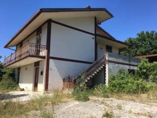 Foto - Villa bifamiliare, da ristrutturare, 250 mq, Montefredane