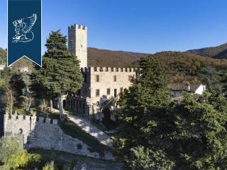 Antico castello in vendita in Toscana Image 2