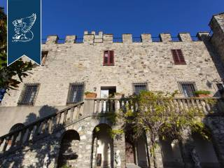 Antico castello in vendita in Toscana Image 11