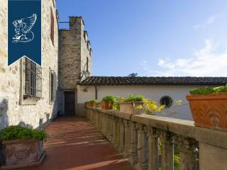Antico castello in vendita in Toscana Image 12