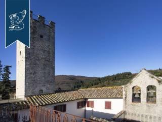 Antico castello in vendita in Toscana Image 14