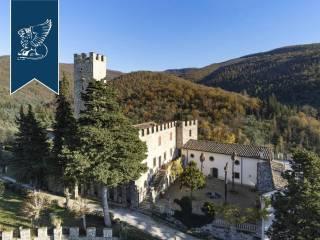 Antico castello in vendita in Toscana Image 18