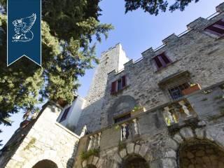 Antico castello in vendita in Toscana Image 19