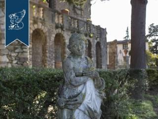 Antico castello in vendita in Toscana Image 20