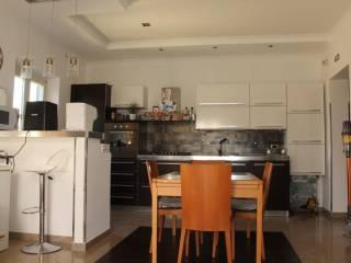Foto - Piso de tres habitaciones via Ugo Foscolo, Semicentro, Aprilia