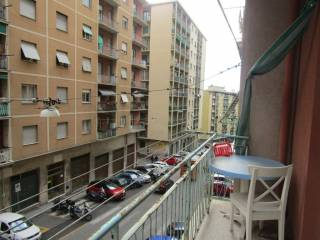 Foto - Trilocale via Bartolomeo Carrea, Sampierdarena, Genova
