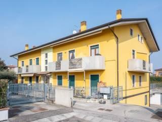Foto - Trilocale via Salvo D'Acquisto 16, Villafranca di Verona