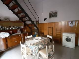 Foto - Vivenda familiar via Mercatello, Borgo, Montoro