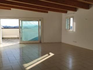 Foto - Appartamento nuovo, quarto piano, Caldogno
