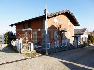 Foto - Villa bifamiliare via Bricco Broncio 5, Serravalle Langhe