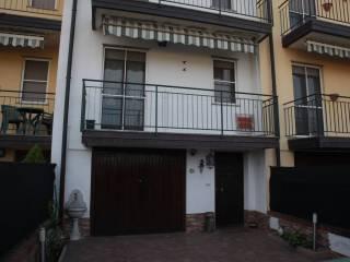 Foto - Villa a schiera via Montenero, Calvignasco
