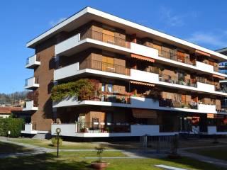 Foto - Trilocale via Vittorio Veneto 8, Centro, Arona
