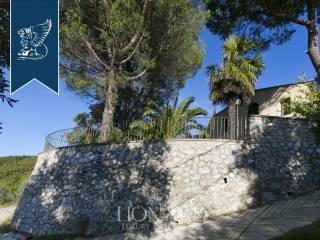 Splendido casale in vendita in provincia di Pistoia Image 16