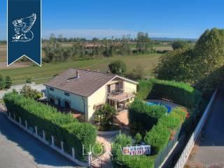 Villa con piscina in vendita in provincia di Pavia Image 2