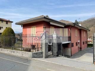 Foto - Villa unifamiliare, buono stato, 200 mq, Cremenaga