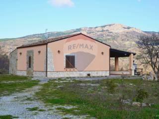 Foto - Terratetto unifamiliare Contrada Gisa snc, Petralia Sottana