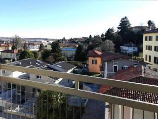 Foto - Bilocale via verga 6, Lucino, Montano Lucino