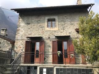 Foto - Villa unifamiliare frazione Le Clapeyas, Issogne