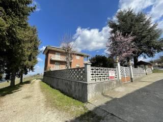 Foto - Villa unifamiliare, buono stato, 380 mq, Castiglione Tinella