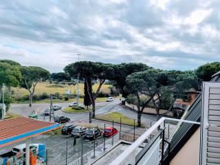 Foto - Trilocale via di Macchia Saponara 158F, Axa, Roma