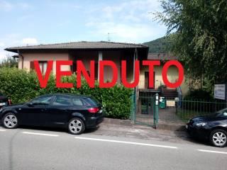 Foto - Trilocale via Fratelli Sapori 11, Marchirolo