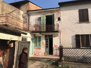 Foto - Terratetto unifamiliare 80 mq, da ristrutturare, Cerreto Grue