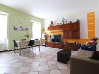 Foto - Trilocale ottimo stato, primo piano, Centro, Roverbella