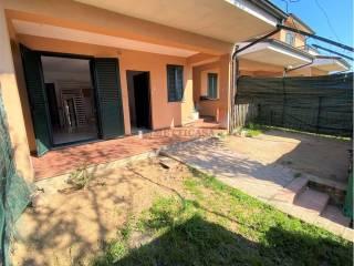 Foto - Villa a schiera 3 locali, buono stato, Centro, Zeccone