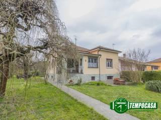 Foto - Villa unifamiliare via IV Novembre, Bressana, Bressana Bottarone