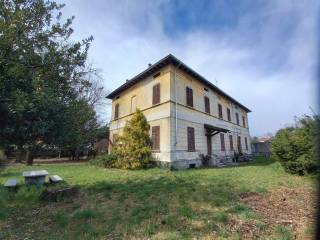 Foto - Villa bifamiliare, da ristrutturare, 530 mq, Centro, Gozzano