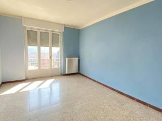 Foto - Trilocale buono stato, quarto piano, Centro, Pont-Canavese