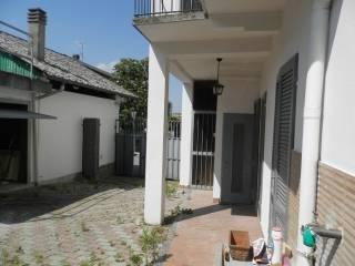 Foto - Villa unifamiliare, da ristrutturare, 120 mq, Centro, Casalino