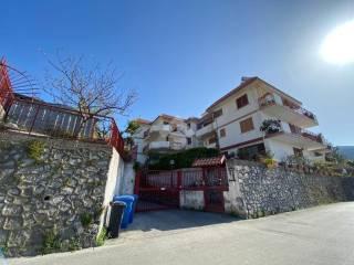 Foto - Quadrilocale via Antonio Asturi, Centro, Vico Equense