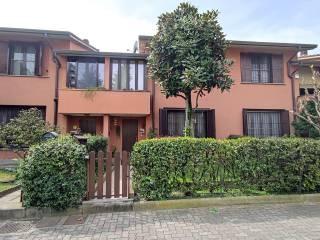 Foto - Villa a schiera via Giancarlo Puecher 18, Centro, Gaggiano