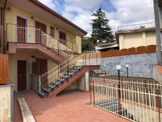 Foto - Trilocale via Bettino Ricasoli 13, Trecastagni