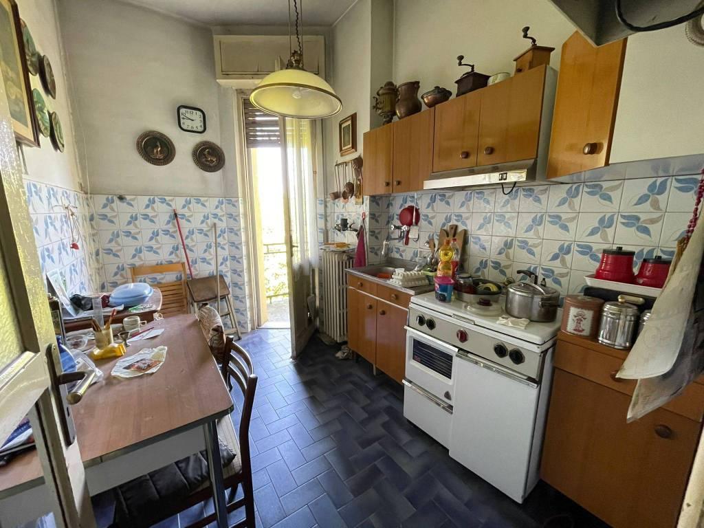 Vendita Appartamento Vercelli Trilocale In Corso Italia 39 Da Ristrutturare Posto Auto Balcone Riscaldamento Autonomo Rif 87129798