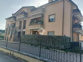 Foto - Quadrilocale ottimo stato, primo piano, Centro, Torgiano