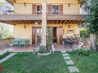 Foto - Villa bifamiliare via Andrea Ferrari 1, Lesignano de' Bagni