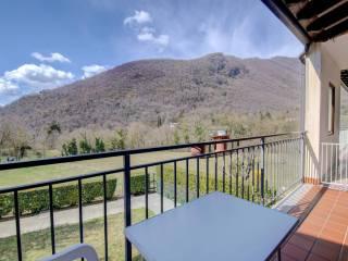 Foto - Trilocale buono stato, primo piano, Val Di Sur San Michele, Gardone Riviera