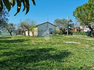 Photo - Single-family townhouse via SP 19 5, Notaresco