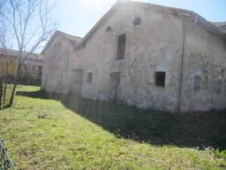 Foto - Rustico, da ristrutturare, 750 mq, Montecavolo, Quattro Castella