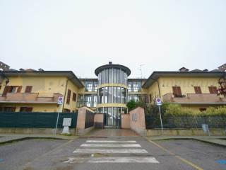 Foto - Quadrilocale via Eugenio Montale 25, Certosa di Pavia