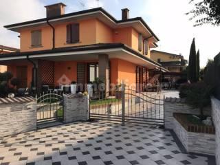 Foto - Villa bifamiliare, ottimo stato, 170 mq, Centro, Bagnolo San Vito