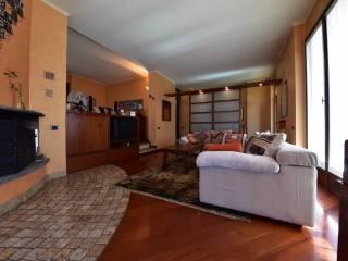 Foto - Villa bifamiliare via Brianza 5, Centro, Bernareggio