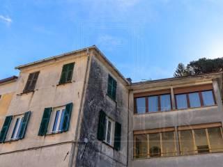 Foto - Quadrilocale buono stato, secondo piano, Borgonovo, Mezzanego