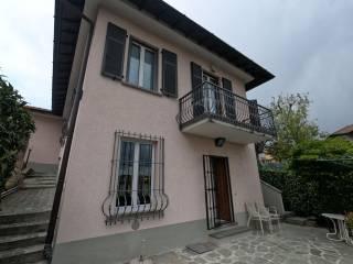 Foto - Villa unifamiliare via I Maggio 5, Centro, Grandate